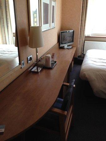 Mercure Maidstone Great Danes Hotel: room