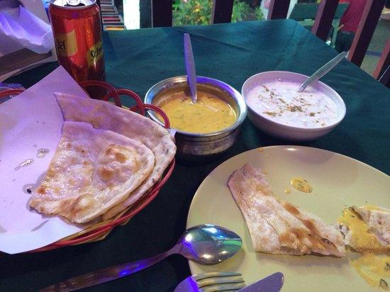 Rasoi Restaurant: Chicken creamy gravy,butter naan !yummy