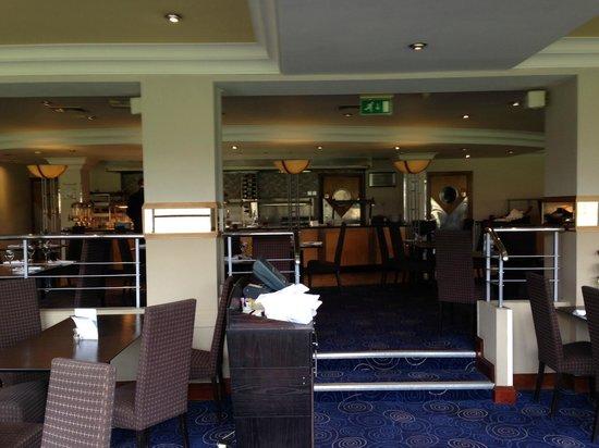 Mercure Maidstone Great Danes Hotel: breakfast room