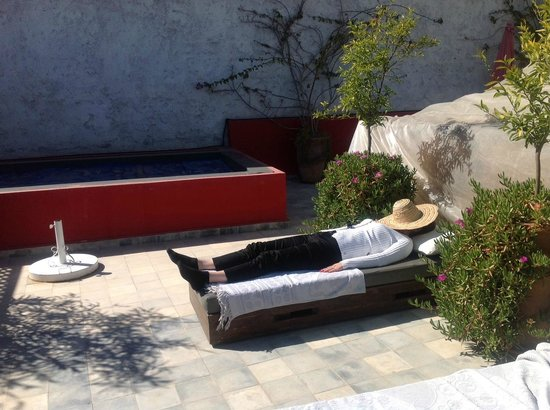 Riad Badi: a nap on the lovely roof terrace