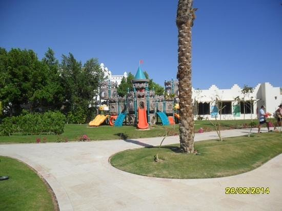 Le Royal Holiday Resort : kids play area