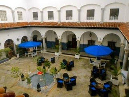 El Minzah Hotel : Patio interior del hotel