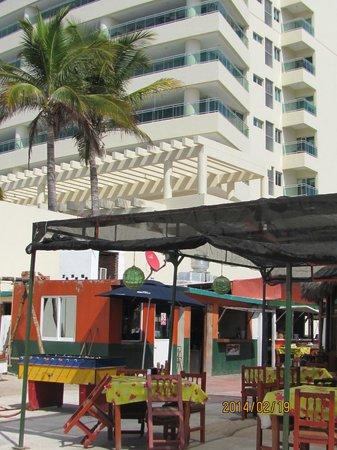 El Capitano: restaurant with Las Gavias behind