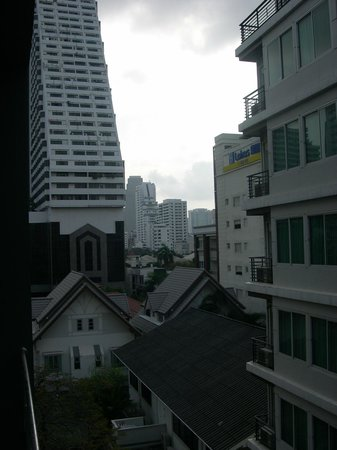 Hotel Solo Sukhumvit 2: Toller Blick vom Dach