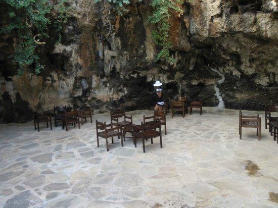Emrald Flamingo Beach Resort & Spa: cave