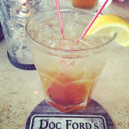 Doc Ford's Rum Bar & Grille Ft. Myers Beach: Great drinks!!