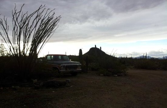 Crickethead Inn Bed and Breakfast : Sunset with Mike's old truck