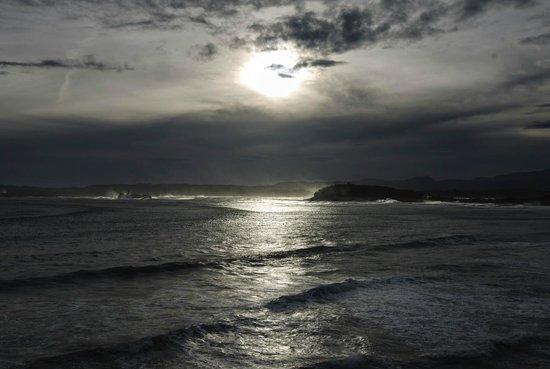 Hotel Chiqui : Sturm-Aussicht bei Gegenlicht