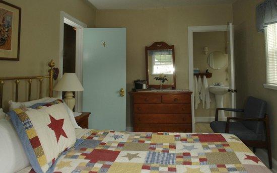 The Lakehouse Inn: Room #4 of the Inn