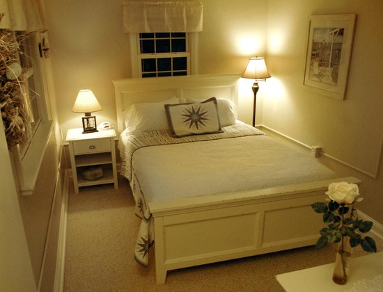 The Lakehouse Inn: Bedroom of the Sturgeon Suite