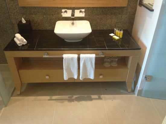 Marriott Hotel Al Jaddaf, Dubai: Sink