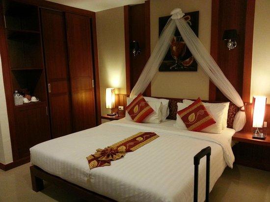 Patong Hemingway's Hotel: Room