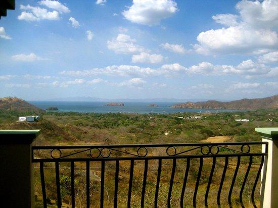 Hotel Chantel: Patio View