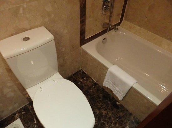 Hilton Singapore: バスルーム