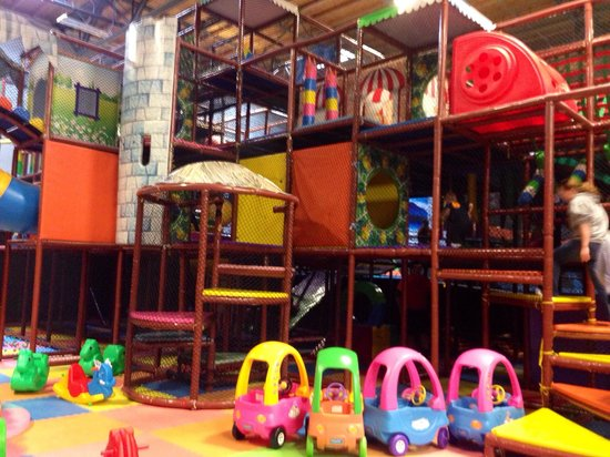 Elevated Sportz Indoor Trampoline Park: Kids play area