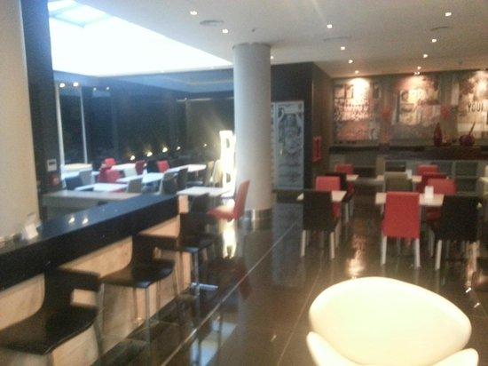 Two Hotel Buenos Aires: Area de café da manhã