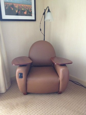 DoubleTree DFW Airport North: Star Trek chair