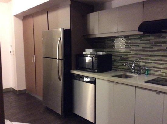 Element Miami International Airport: Cozinha completa