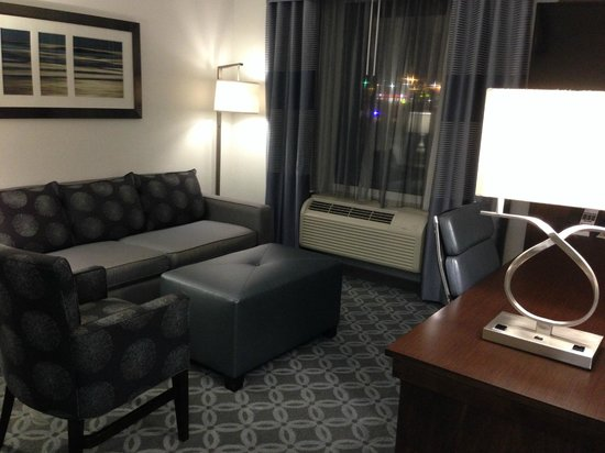 Hampton Inn & Suites Greensboro / Coliseum Area: Nice area to relax