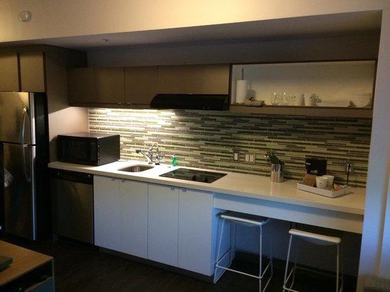 Element Miami International Airport: Cozinha