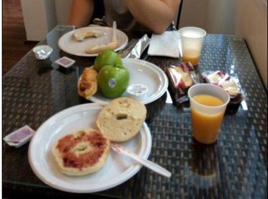Casa Condado Hotel: Breakfast