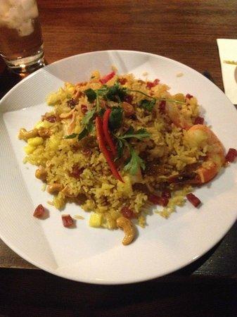 Lemongrass : Pineapple fried rice