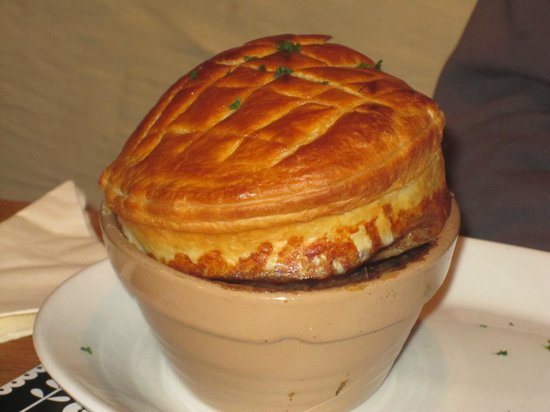 The Farmers Boy Pub and Restaurant: Steak,Guinness & Black pudding puff pastry pie!