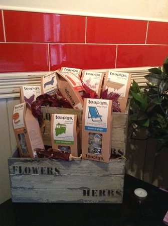 Circles Cafe: tea pig stockist