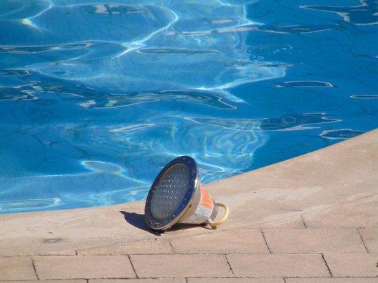 Grand Palladium Punta Cana Resort & Spa: pool light