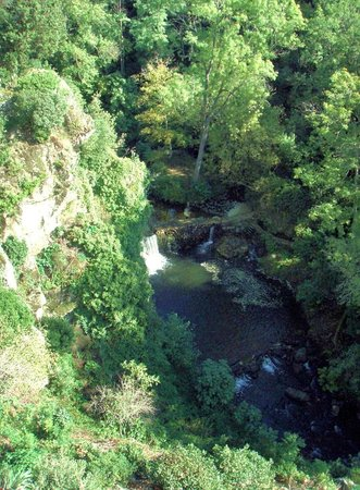 Montolieu: Spectacular 100 meter deep gorge with the river Dure