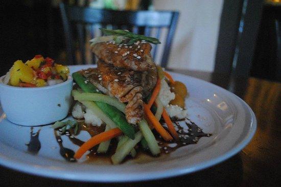 Shi Sha Cafe & Tapas Bar : Sea Bass with Asian Glaze