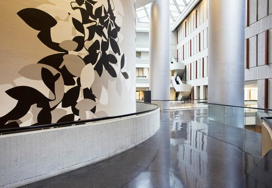 The Westin Peachtree Plaza: Nature-Inspired Mural in the Lobby