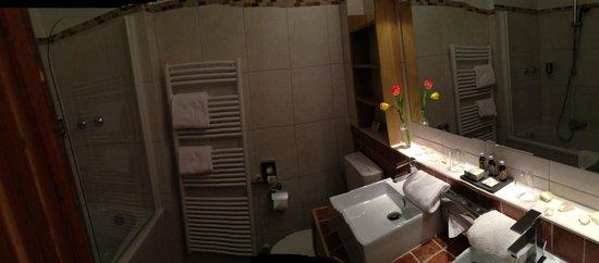 BEST WESTERN PLUS Berghotel Rehlegg: Badezimmer