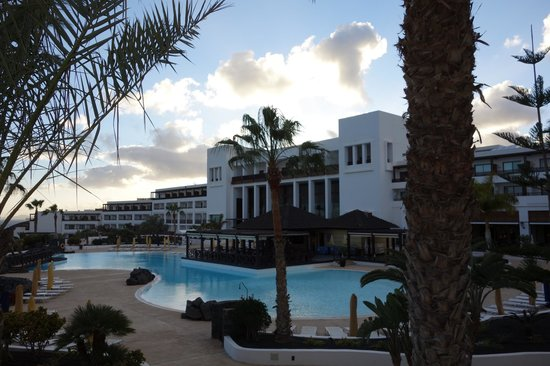 Hesperia Lanzarote: View with seaview.