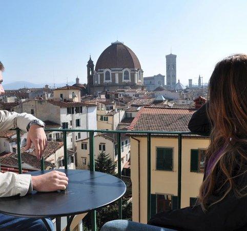 Hotel BellaVista: Si no hace frio, desayuna en el balcon!