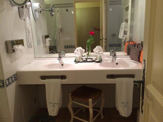 Auberge de Cassagne & Spa: salle de bain