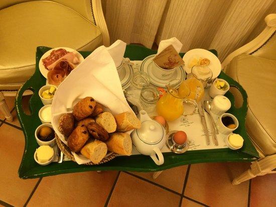 Auberge de Cassagne & Spa: petit dej en chambre