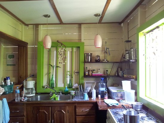 Panama's Paradise Saigoncito : Cabana 1 Kitchen
