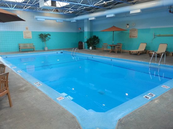 Holiday Inn Des Moines Downtown: Indoor Pool Area