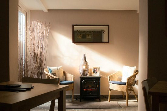 Newminster Cottage Bed and Breakfast: Relax in our guest lounge