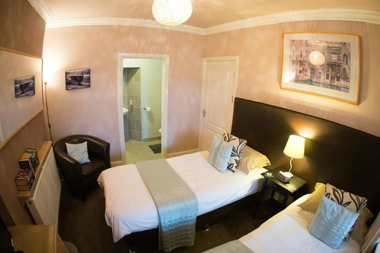 Newminster Cottage Bed and Breakfast: Room 1