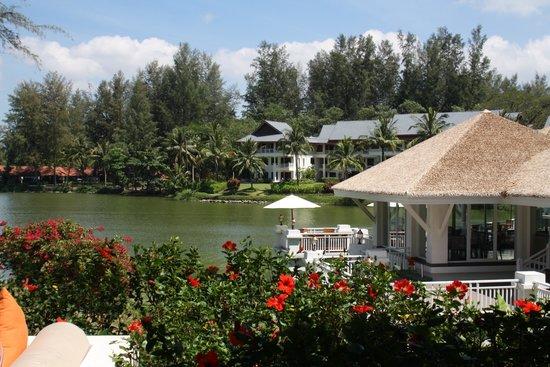 Outrigger Laguna Phuket Beach Resort : Club