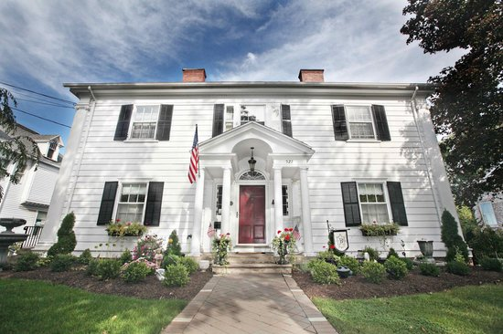 1907 Bragdon House Bed & Breakfast: Front View