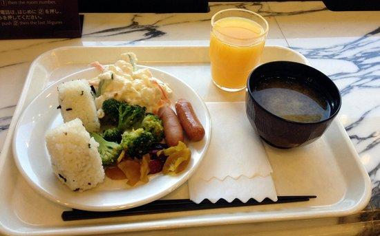 Toyoko Inn Shonan Chigasakieki Kitaguchi: I really enjoyed these breakfasts!