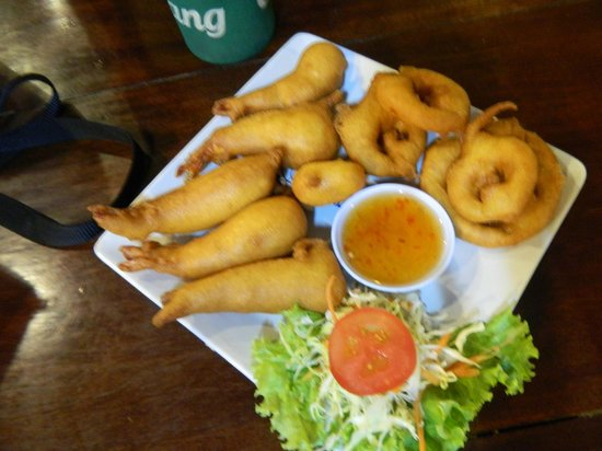 Massaman Restaurant & Bar : yummy crispy prawns