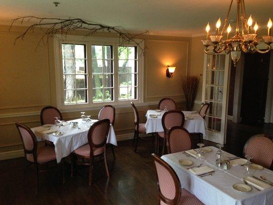 Ivy Manor Inn: Michelle's Restaurant