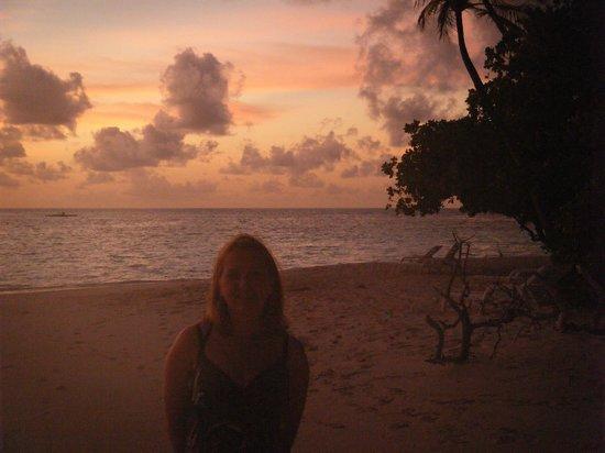 Biyadhoo Island Resort: Beautiful sunset