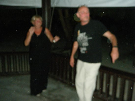 Biyadhoo Island Resort: dancing in gazebo