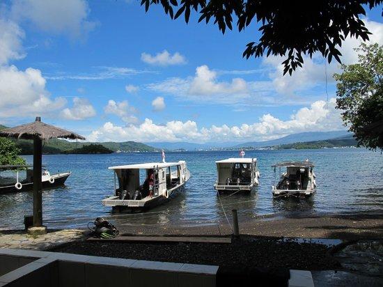 Lembeh Resort: Diving boat Dock