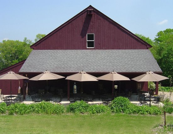 Colchester, CT: Wine Patio-Winery